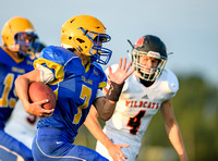 082517-Football-Latrobe at Derry